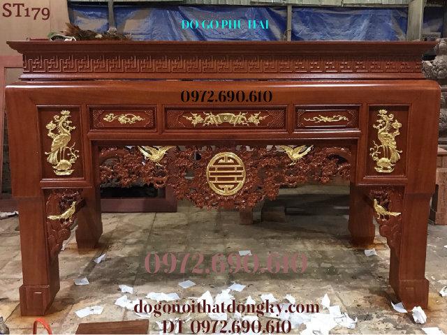 Mẫu Bàn Thờ Gia Tiên Đẹp Dát Vàng Chính Hiệu Phú Hải ST179