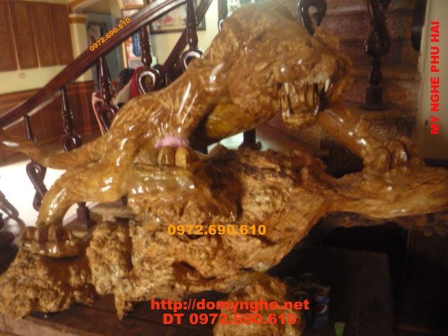 Con Hổ cưỡi Rùa vàng gỗ ngọc nghiến CH09