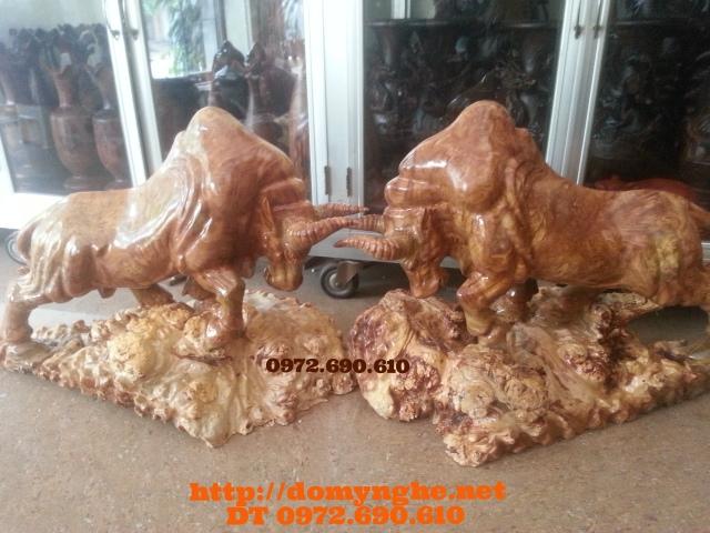 Quà tặng đặc biệt: Bò tót gỗ ngọc nghiến BT05
