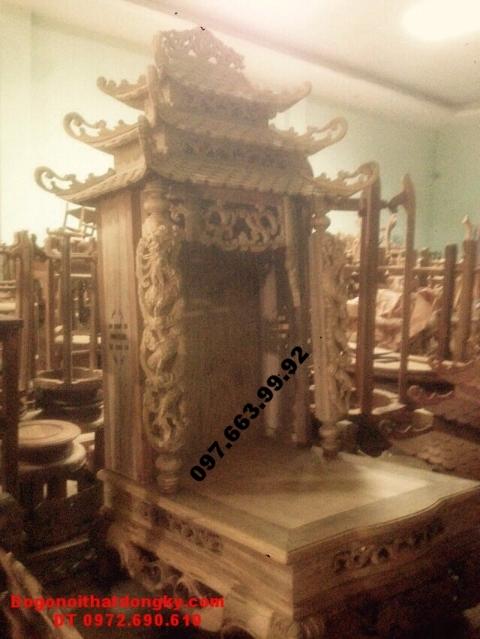 Mẫu bàn thờ thần tài cột rồng ba mái BTT18