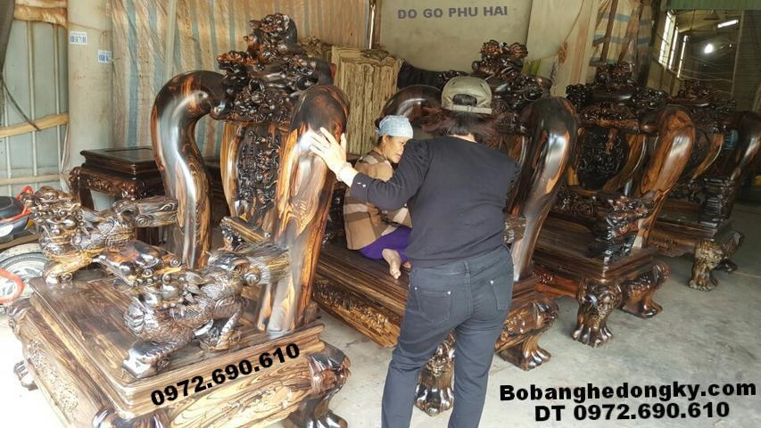 Bộ bàn ghế đẹp, gỗ mun hoa nặng 2 Tấn cột 20cm B232